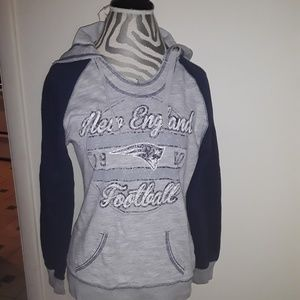 Super cute New Engkand Patriots hoodie! Size M!